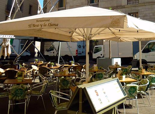 el beso y la lluna barcelona terraza