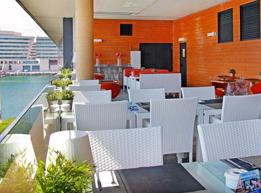 mirandoalmar barcelona terraza2